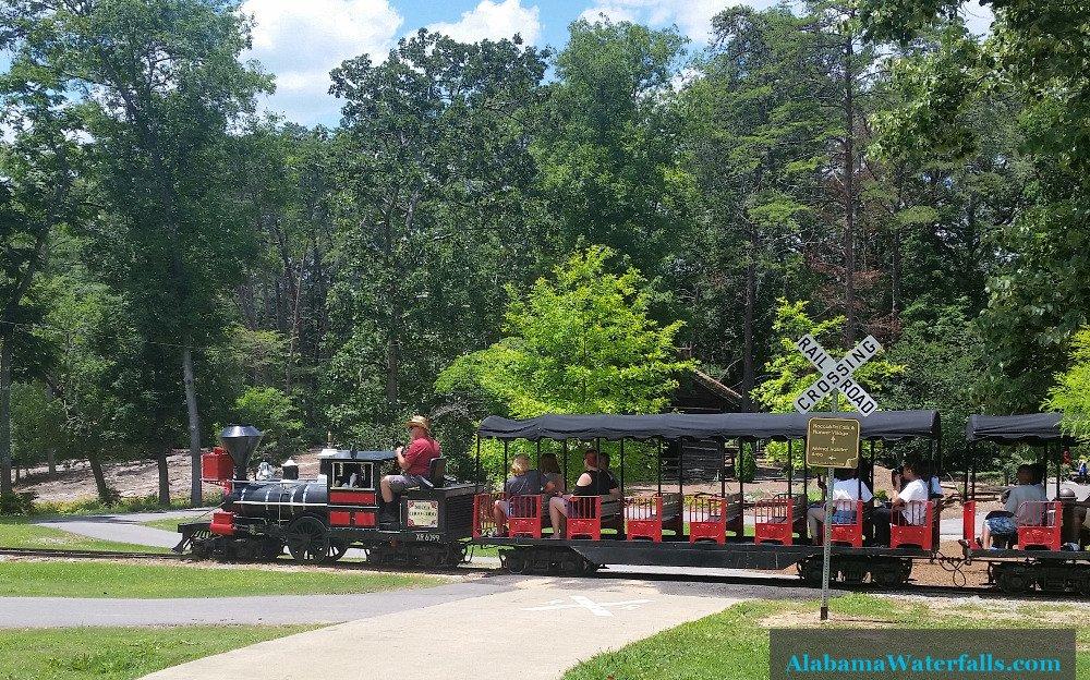 Noccalula Falls Park Train